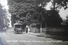 An early bus pauses by the lych-gate which dates from 1907. The bus appears to be a Daimler, operated by Edward Locke of Landford, who ran a service from there to Southampton on 4 days a week during the 1920s. (A Stewart collection)